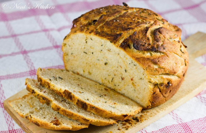 dried tomato and olive bread (1 von 1)-2