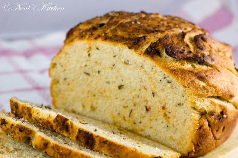 dried tomato and olive bread (1 von 1)