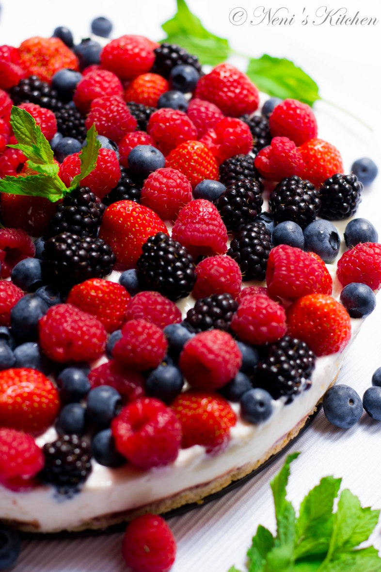 berry cheesecake summer recipe