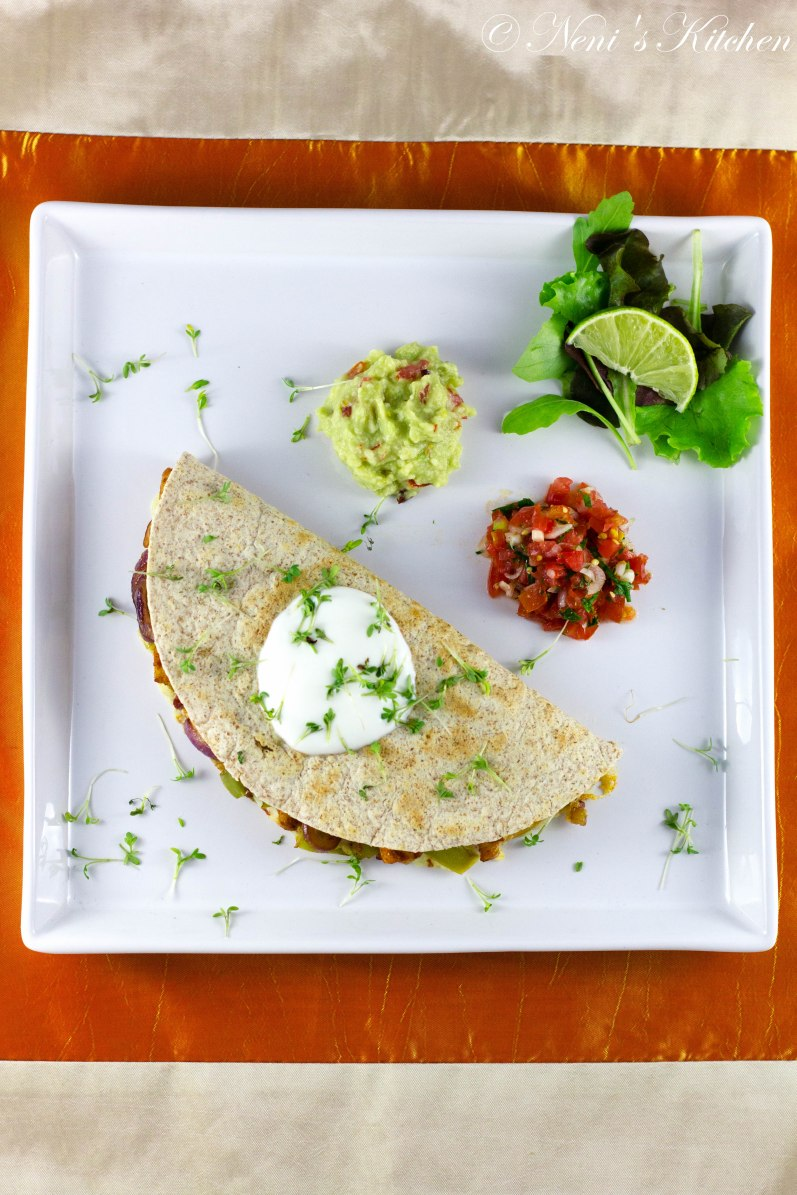 chicken bacon quesadilla sour cream guacamole tomato salsa