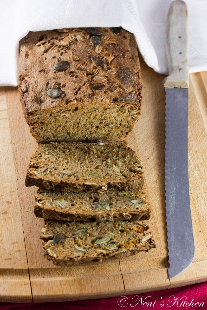 Rye bread super seeds