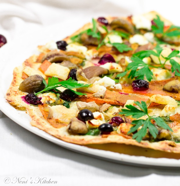 spiced-pumpkin-cranberry-goat-cheese-tarte-flambee-6
